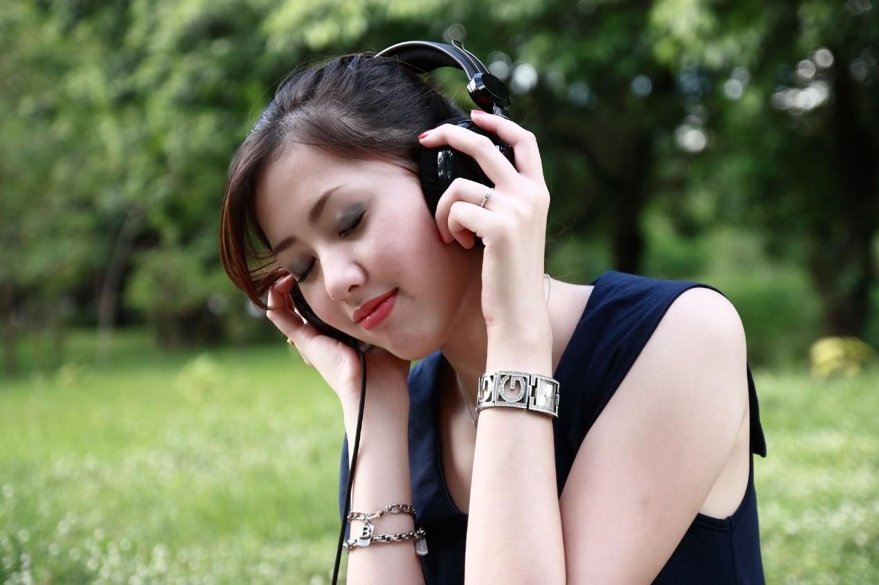 jlab studio wireless headphones